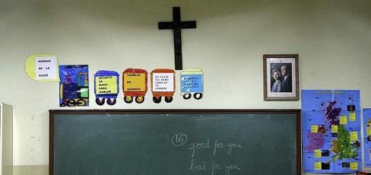 Crucifijo-escuela-almendralejo aula religion