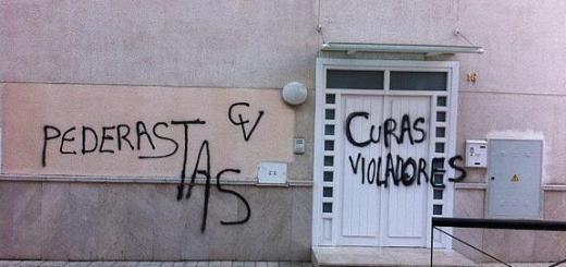 pintadas contra abusos y curas pederastas en Granada