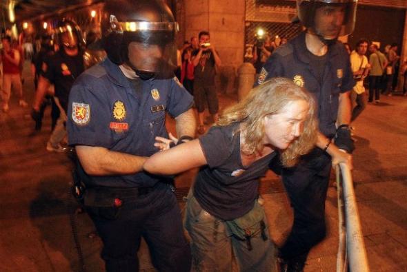 agresiones policia mani vista Ratzinger Madrid 2011
