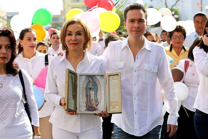 Gobernador de Chiapas peregrino con la Virgen de Guadalupe el 11 de diciembre de 2014
