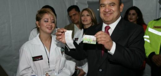 Gobernador de Ecatepec 2015 que realizó la cesión a la Iglesia Católica de una parcela de terreno.