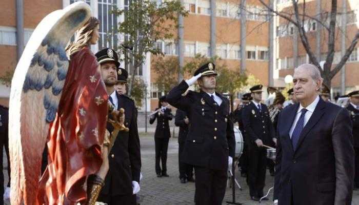 El ministro del Interior, en los recientes actos de conmemoración del 191 aniversario de creación del CNP. - Foto EFE