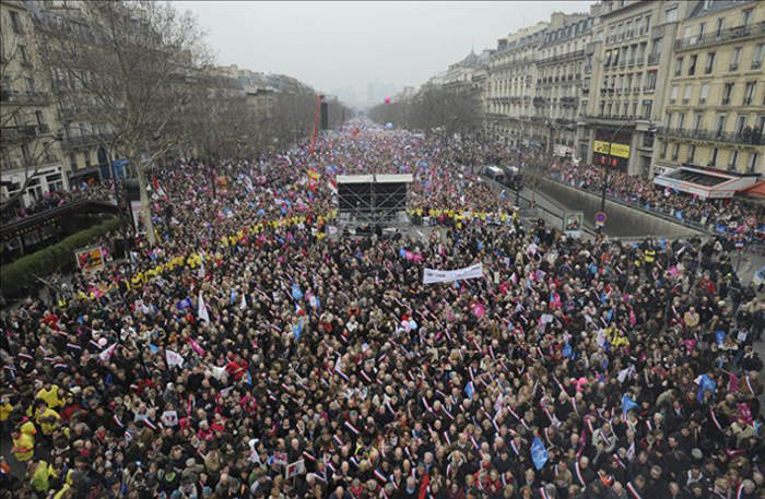 Manifestación en  París contra el atentado al semanario Charlie Hebdo 2015