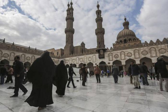 La Mezquita de Al Azhar, en El Cairo, el pasado viernes. / Mosa'ab Elshamy (AP)