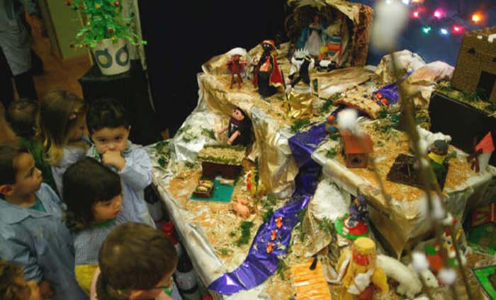 Belén realizado con material reciclado en la Escuela Infantil de Corvera