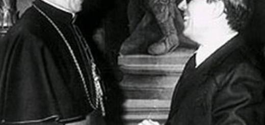 El cardenal Villot y MarcelinoOreja, durante la firma del Tratado entre España y la Santa Sede en 1979. / Efe