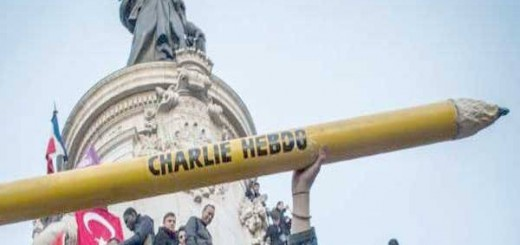 mani Charlie Hebdo