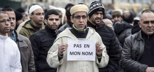 """Musulmanes tras atentado Charlie Hebdo """"no en mi nombre"""""""