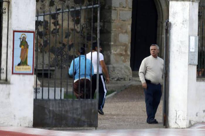 José Donoso Fernández, sacerdote de Mengabril, en Badajoz el pasado mayo. / Claudio Alvarez