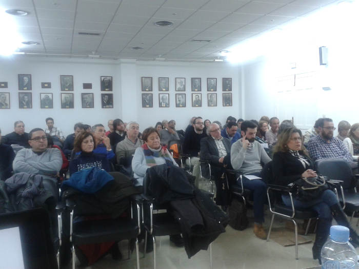 Asistentes tertulia laicista Albacete 20050113