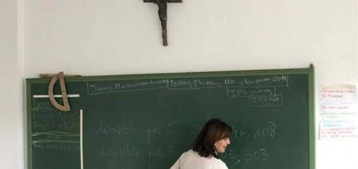aula crucifijo religion escuela