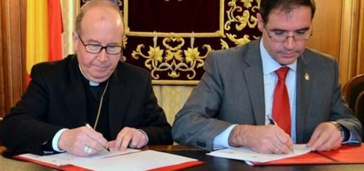 firma convenio Diputacion y obispado de Cuenca 2015