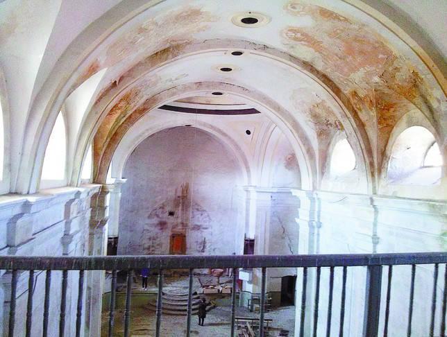 Con una inversión pública de 90.000 euros Fresno recupera su iglesia para el culto y como centro sociocultural