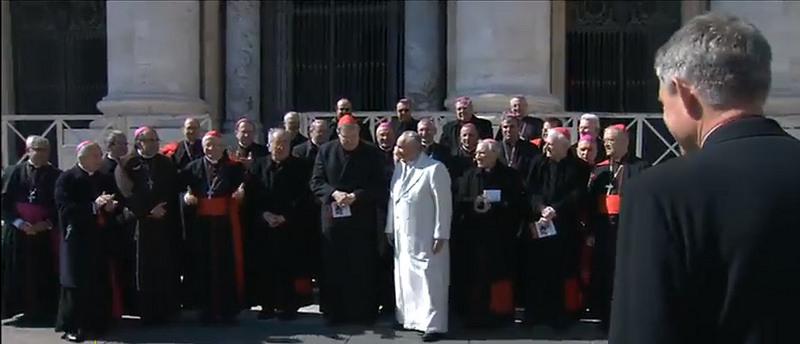 Bergoglio con obispos y cardenales cielinos 2015