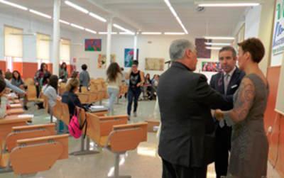 Biblioteca municipal cedida a la iglesia en La Linea 2015