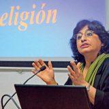 Nazanín Armanian, durante la conferencia que pronunció ayer en la UIB. Alejandro Fernández