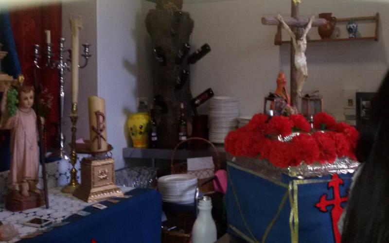 Altar y paso de Semana Santa en la cafetería de la Facultad de Odontología de Granada 2015 UNI Laica
