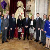 Autoridades civiles y eclesiásticas tras el acto de cesión de la vara de mando en la Seu.