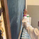 crucifijo aula clase religion escuela