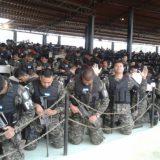 policia rogando a dios Honduras 2015
