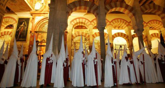 Semana Santa en la Mezquita-Catedral de Córdoba. / juan manuel vacas