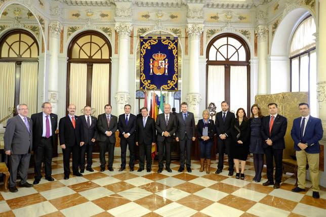 Javier Lacalle y César Rico, durante la recepción oficial en el Ayuntamiento de Málaga.