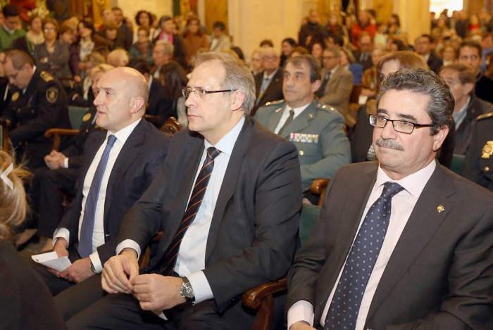 ofrenda Dolores semana Santa Valladolid autoridades 2015