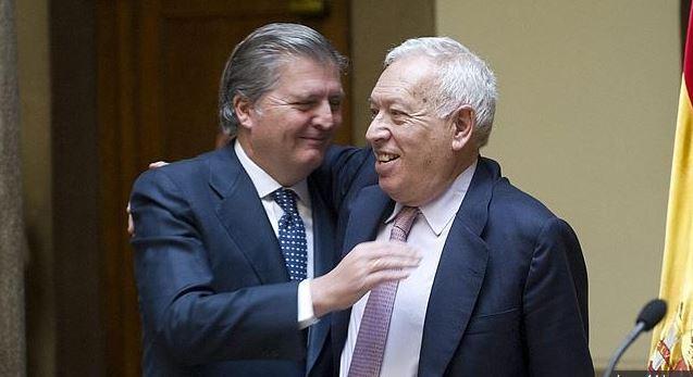 Méndez Vigo con su viejo amigo y socio de aventuras empresariales, García Margallo
