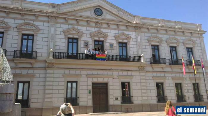 Diez a os de matrimonio gay en espa a cada vez m s - Casarse ayuntamiento madrid ...