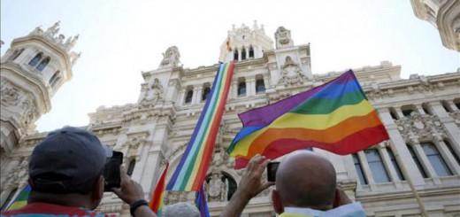 bandera gay en el Ayuntamiento de Madrid