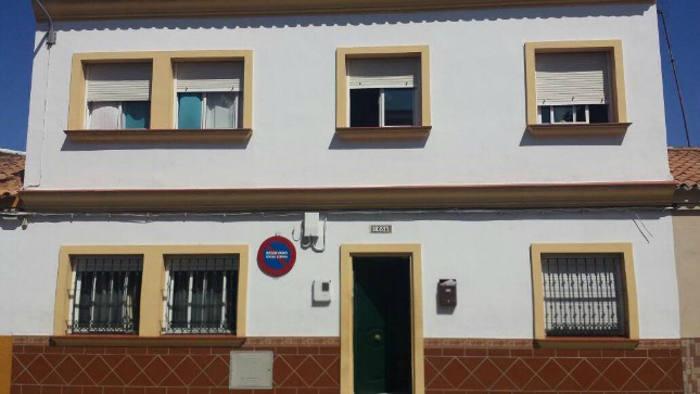 Casa Hogar Betania de La Línea. Casa de acogida cuyo inmueble es propiedad del Obispado de Cádiz que ha iniciado los trámites para el desalojo. Foto Viva Cádiz, VCG