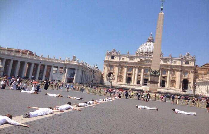cilenas contra el aborto en el Vaticano 2015
