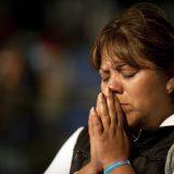 creyente rezando