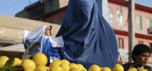 musulmana con burka Afganistan