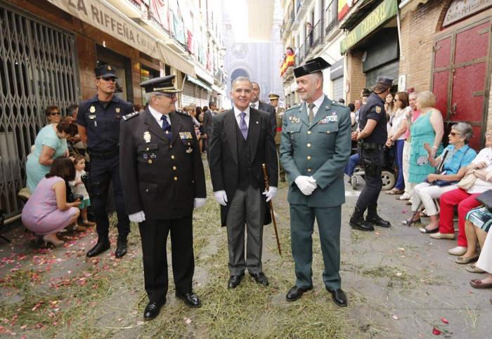 procesion Corpus Granada 2015 gobierno y policia