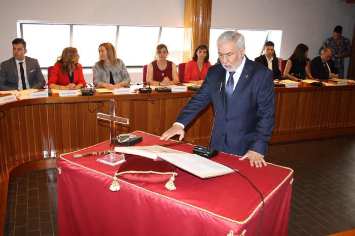 toma posesion concejales Puertollano 2015 crucifijo