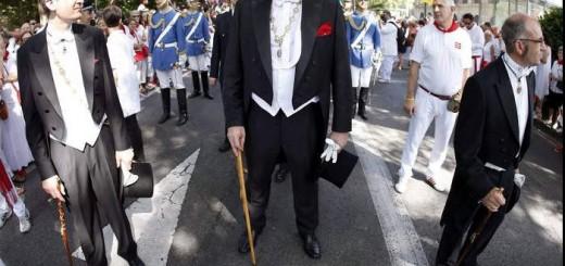 Alcalde Pamplona de EH Bildu procesion San Fermin 2015 a