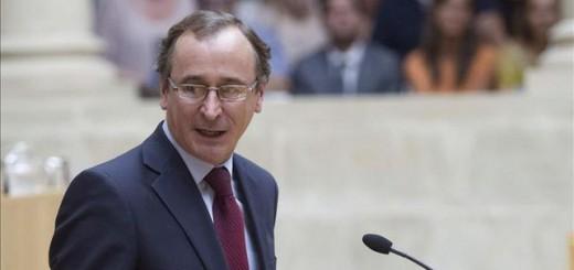 El ministro de Sanidad, Servicios Sociales e Igualdad, Alfonso Alonso, durante el debate sobre la reforma del aborto en el Congreso / EFE