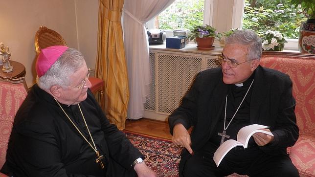 Demetrio Fernandez obispo Cordoba en Bruselas con le nuncio ante al UE 2015