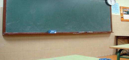 clase religion crucifijo aula