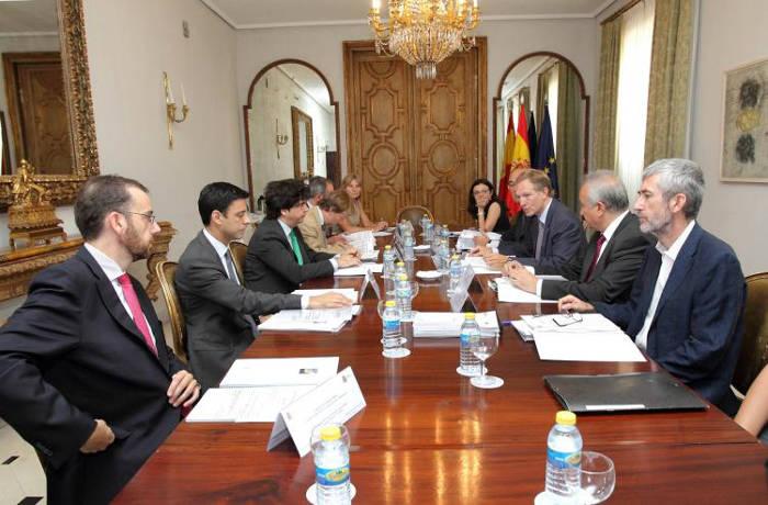 Reunión de la Comisión Mixta entre los ministerios de Fomento y Educación, Cultura y Deporte. 2015 Foto Gabinete de Prensa Ministerio de Educación
