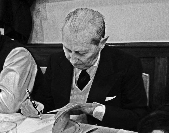 El pensamiento crítico de Gonzalo Puente Ojea