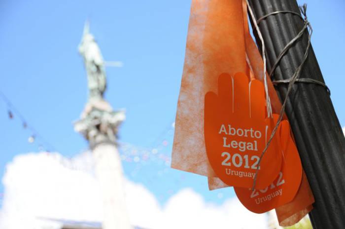 aborto legal Uruguay 2012