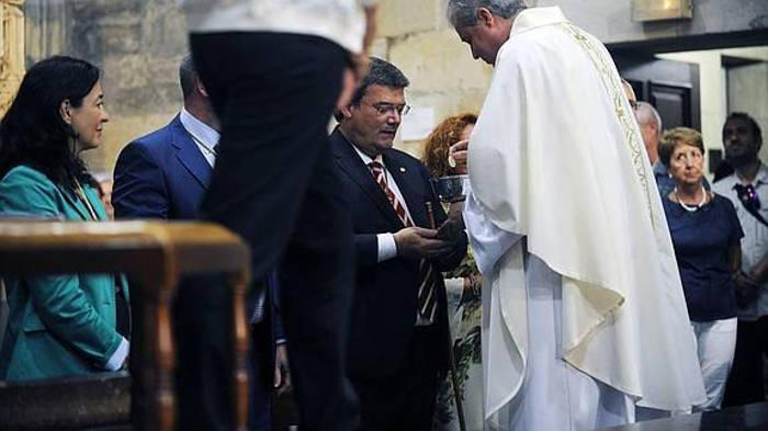 Aburto acude a la misa y romería de la festividad de Begoña el pasado 15 de agosto. / Fernando Gómez