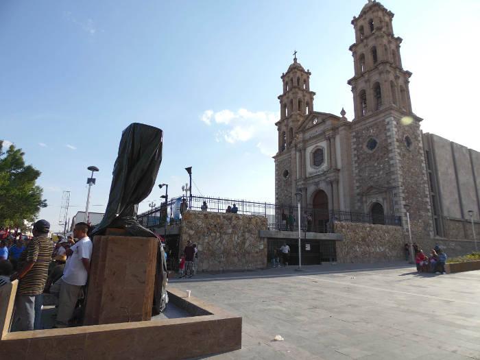 escultura angel de la paz Juarez 2015