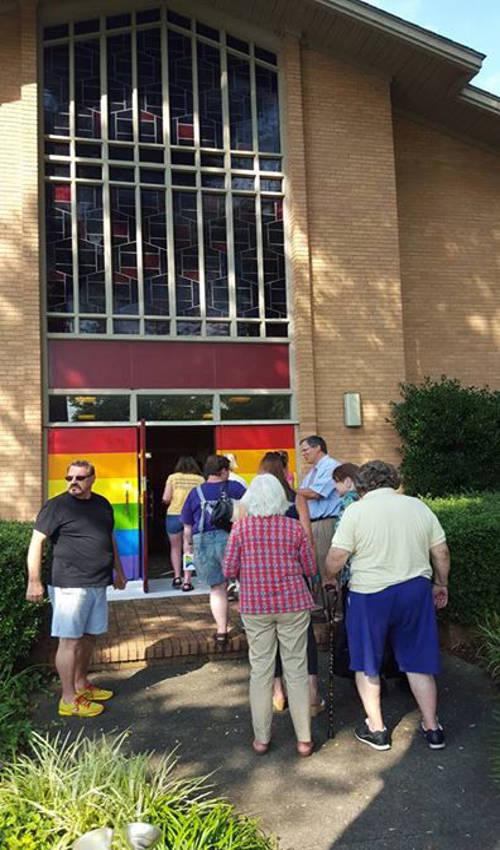 iglesia puerta colores gay USA 2015