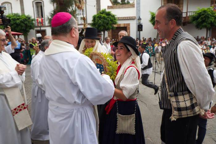 Presidenta Parlamento Canarias romeria virgen 2015 d