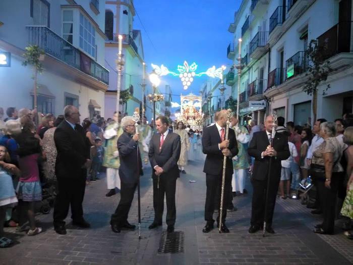Ignorando la neutralidad religiosa, no encontramos diferencias ente el PSOE y el PP de Chiclana, Cádiz