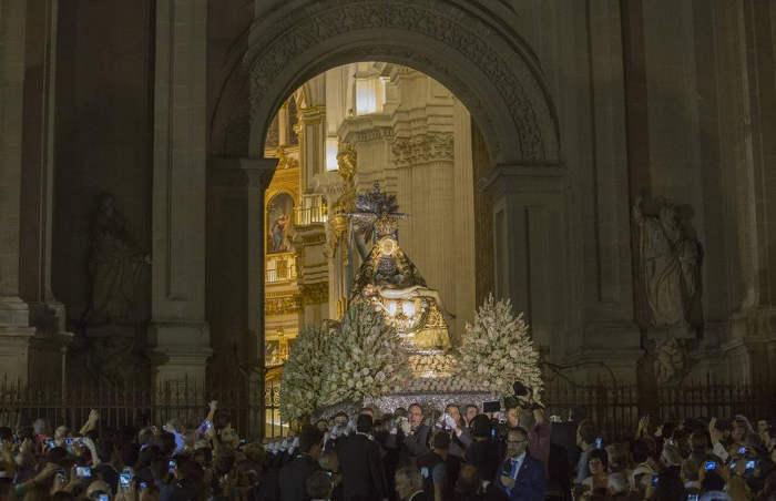 Virgen Angustias Granada 2015