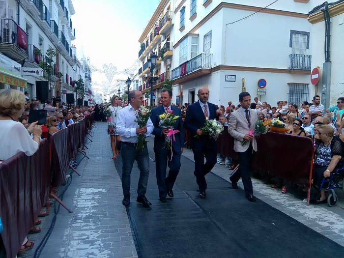 alcalde Chiclana ofrenda virgen 2015